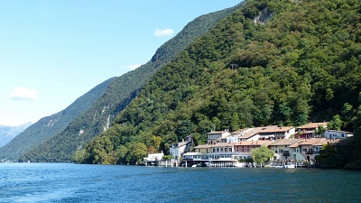 Passing Cantine di Caprino on the lake (which you come through on foot).