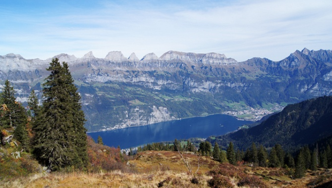 Les Churfirsten et le Walensee.