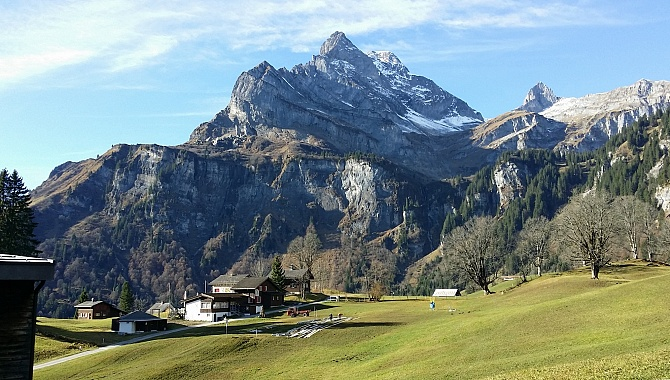 Walking from Braunwald Funicular station to the Cable Car.