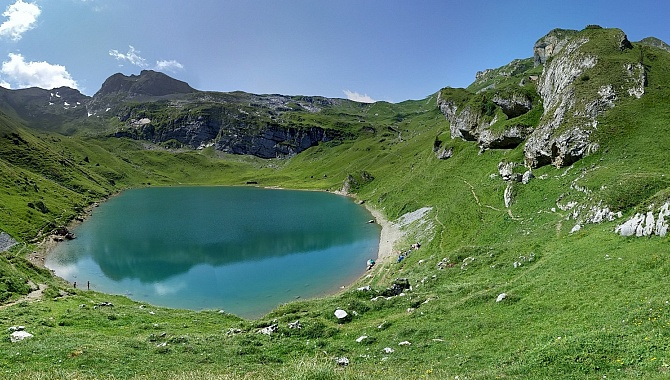Beautiful little Spilau Lake