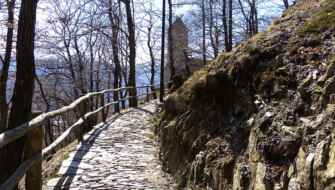 Trail to San Bernardo Church