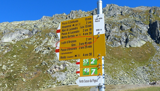 Trail Marker at Gotthard Pass:: Giro (Round Tour) Laghi d'Orsirora is actually 4.5 hours.