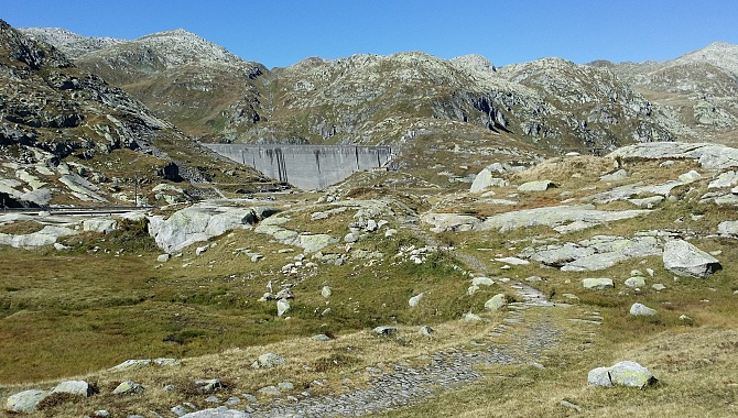 Approaching the Lucendro Dam along the old Gotthard Road.