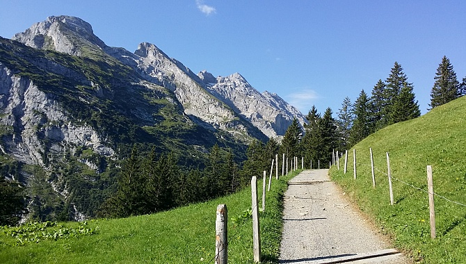 Start of hike in Brüsti.