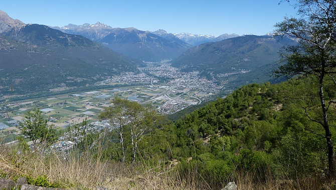 View Northeast for most of the trail from Cima di Dentro to Cima di Medeglia.