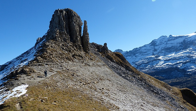 It's only 30 minutes to walk along the ridge but there are lots of wonderful rock formations.
