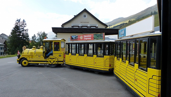The little tourist train will take you from S-Chanf to the entrance of the park.
