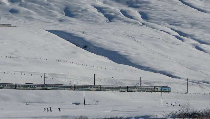The trails pass near the railway line. This is a popular cross-country ski area