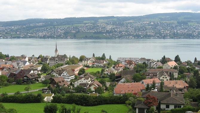 Start of the hike at Horgen Oberdorf, Lake Zurich