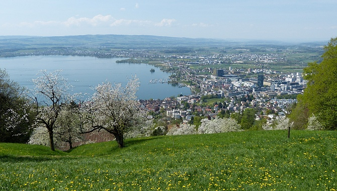View down to the city of Zug