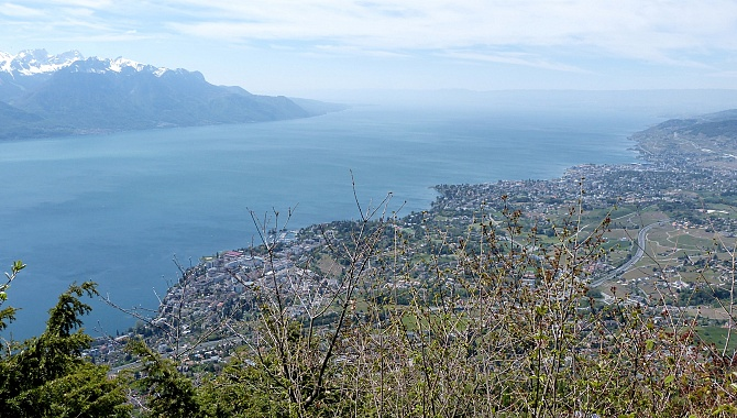 View over Lake Geneva and Montreux at Le Cubly