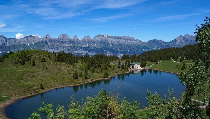 Grosssee mit Churfirsten.