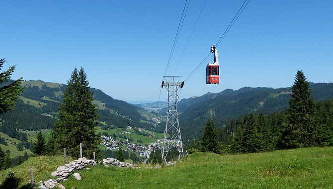 Cable car from Holzegg to Brunni
