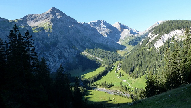 View down to Iffigenalp from near Ritz Alp (Rawil Pass on the left)