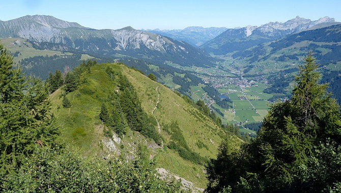 View North into the Simmental Valley from Oberlaubhore