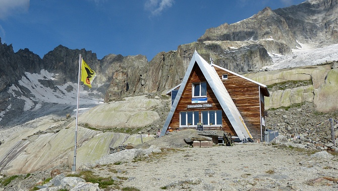 Sidelen Hostel, popular with rock climbers