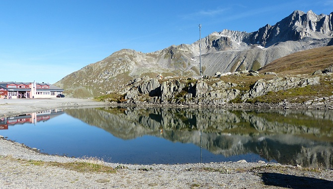 Lake at the Nufenen Pass